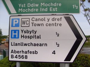 example of a welsh road sign